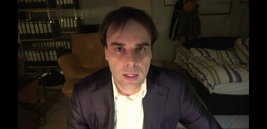 Terörist Tobias Rathjen'in 'manifestosunu' yayınladığı videodan görüntü