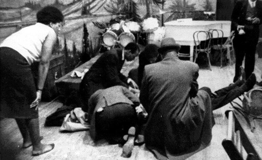 Malcolm X, 1965 yılında konuşma yapmak üzere geldiği Manhattan'daki Audubon Ballroom salonunda uğradığı suikast sonucu yaşamını yitirdi.