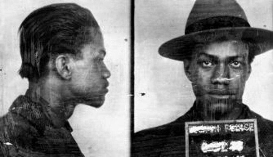 Malcolm, hapishanede 6,5 yıl geçirdi.