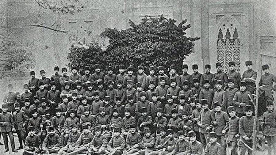 Çanakkale Savaşı'nda bulunan Jandarma Birliği...