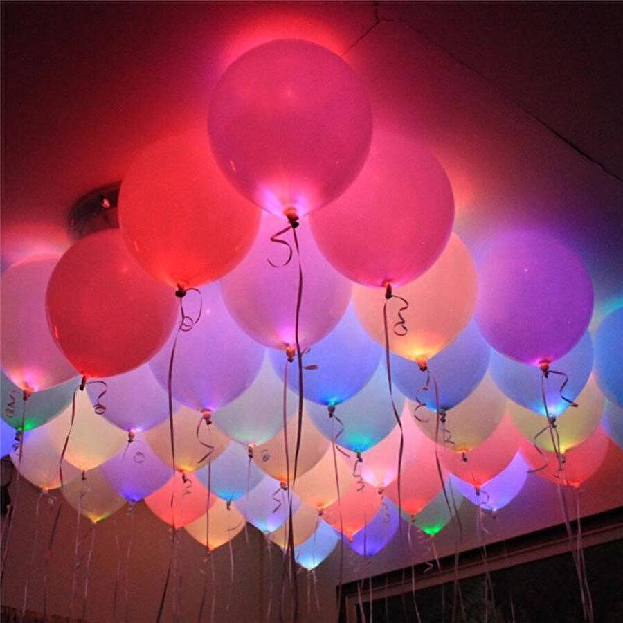Işıklı balonlar