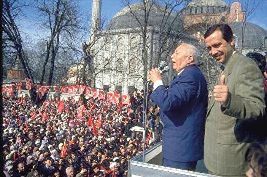 Refah Partisi bir milletvekili çıkarmıştır. Birinci sırada Erdoğan bulunduğu için gidip mazbatasını alır.