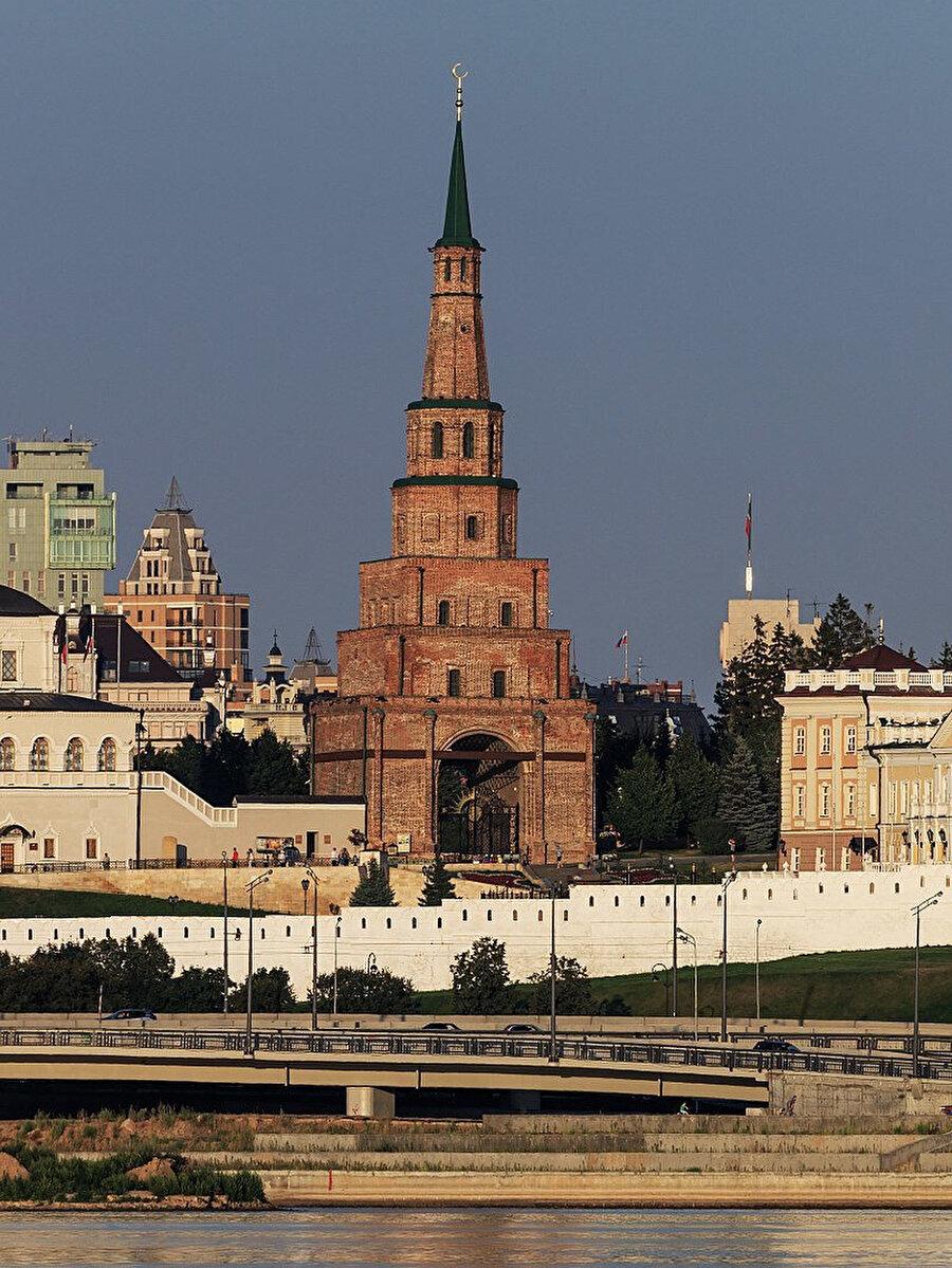 Tataristan'ın Kazan şehrinin mimari sembolü olan Süyüm Bike Kulesi.