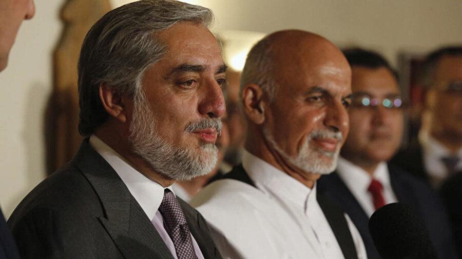 Afganistan'da cumhurbaşkanlığı seçimini kazandığı açıklanan Eşref Gani ile seçimin hileli olduğu iddiasıyla yarışı kendisinin önde bitirdiğini savunan Abdullah Abdullah, ayrı ayrı yemin töreni düzenlemişti.