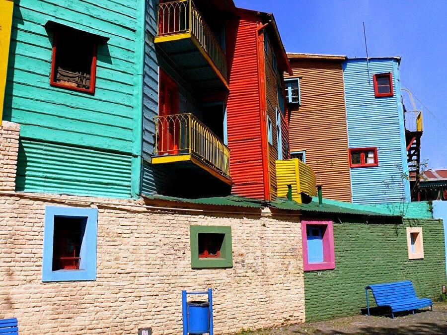 Rengarenk evleriyle La Boca