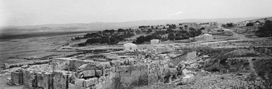 Amvâs'ın geçtiğimiz yüzyılın başındaki genel manzarası...