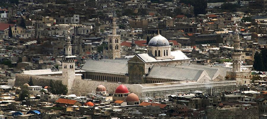 Şam'ın simgesi konumundaki Emevî Cami...