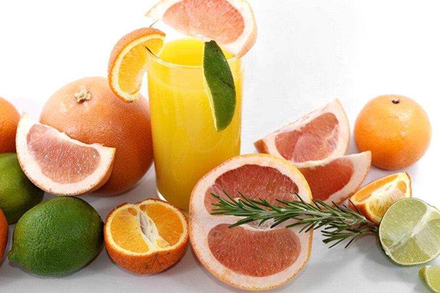 Narenciyeler, bağışıklık sisteminin gelişmesinde çok önemli yeri olan C vitamini içerirler.