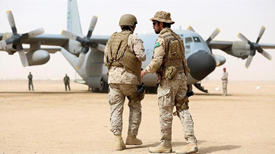 Yemen'deki Suudi Arabistan askerleri.
