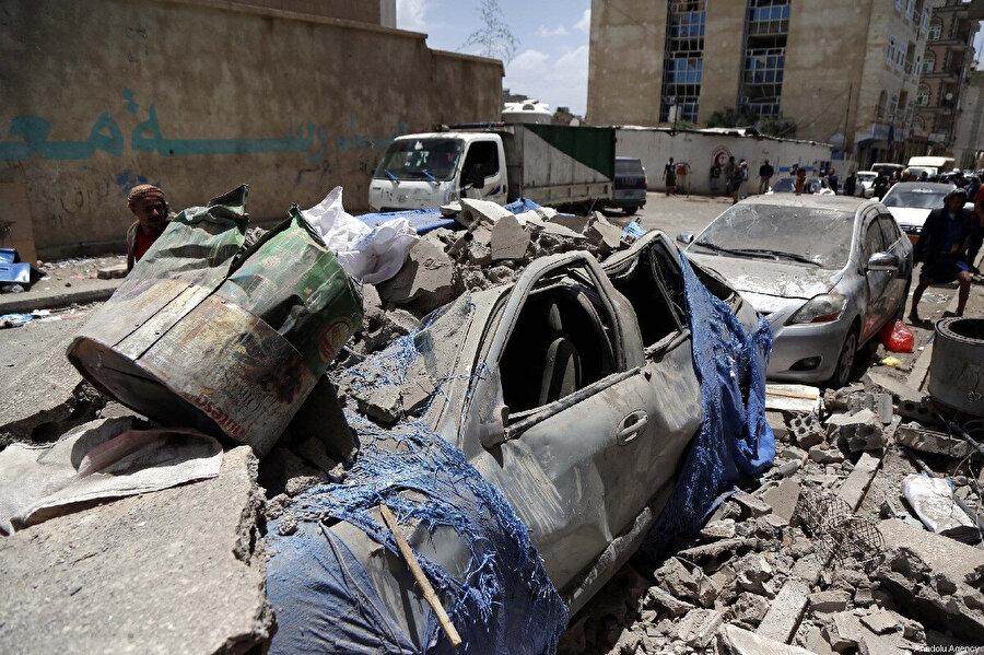 Suudi Arabistan'ın liderlik ettiği koalisyon güçleri Yemen'e son 5 yılda 257.000 hava saldırısı düzenledi.