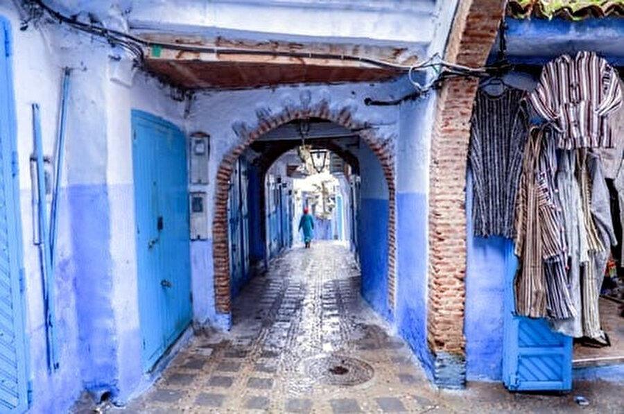 Evleri maviye boyamak yazılı olmayan bir sözleşmeye yani geleneğe dayanıyor Şafşavan'da.