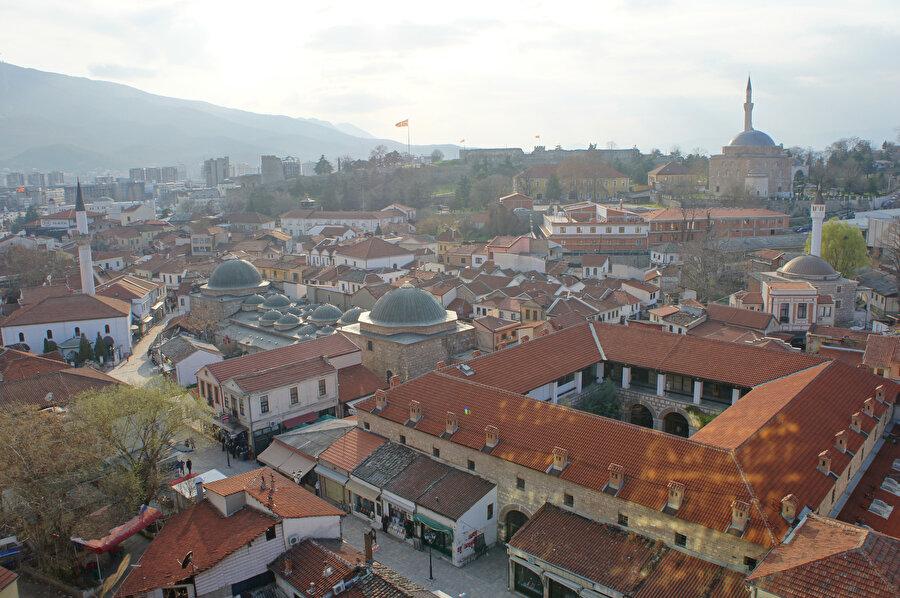 Kuzey Makedonya'nın başkenti Üsküp'ten bir görünüm.