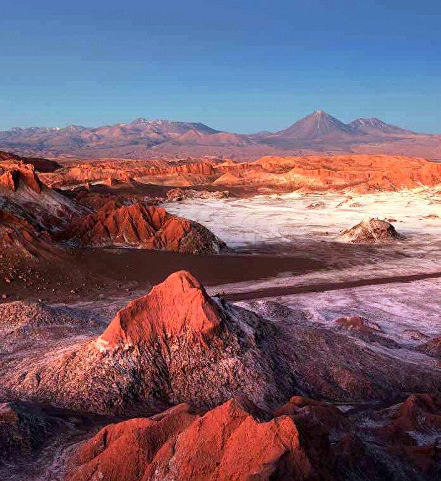 Dünyanın en kuru bölgesi unvanını alan Atacama Çölü.