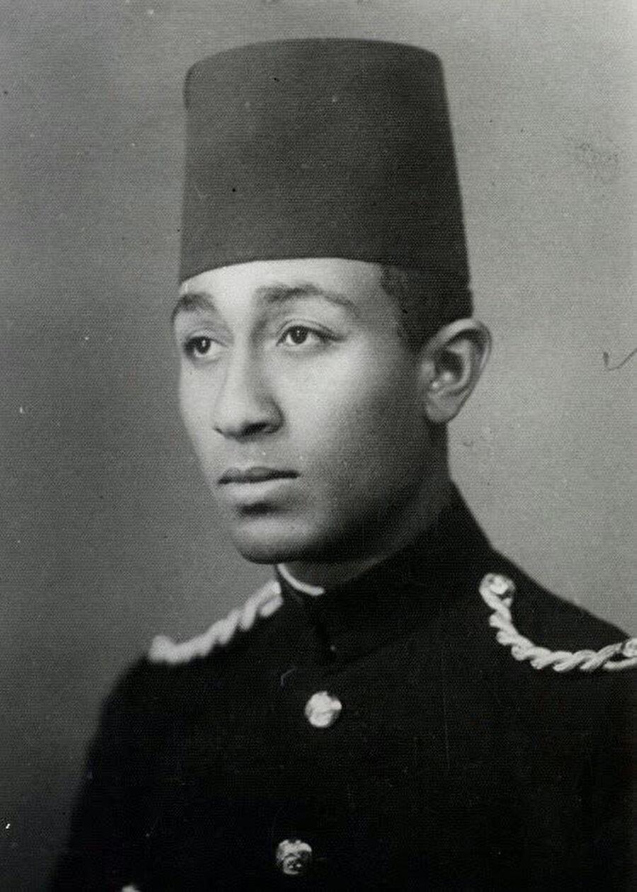 Enver Sedat, Kahire'de Kraliyet Askeri Akademisi'nde okurken.