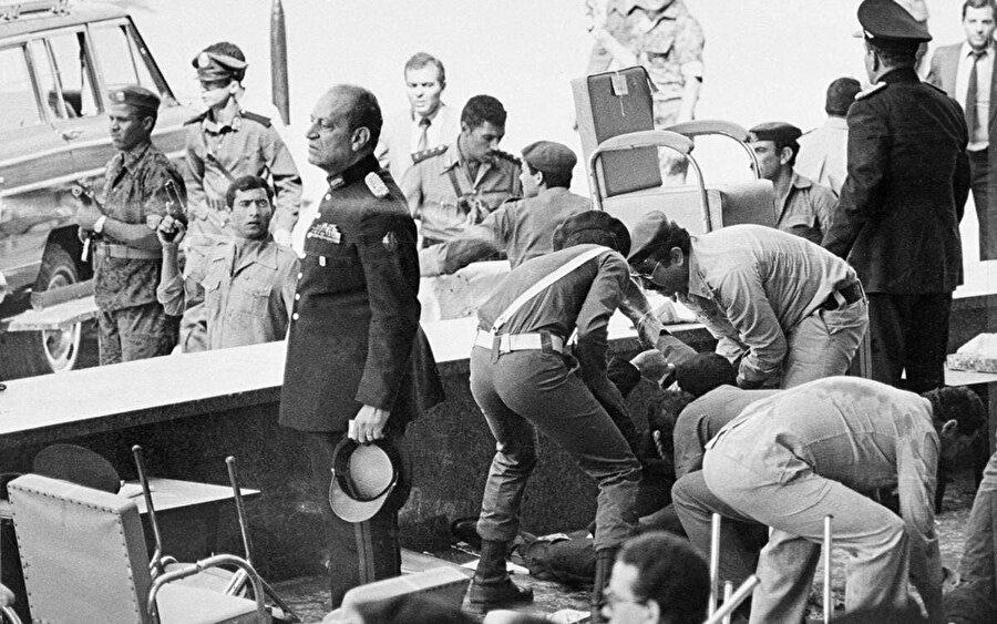 Vücuduna 72 kurşun isabet eden Enver Sedat'ın yaşamını yitirdiği platform.