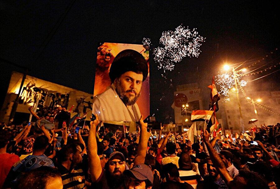 Şii lider Mukteda Sadr.