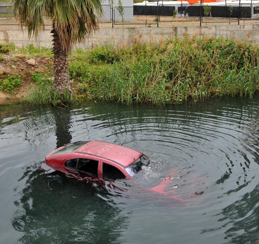 Sürücü zodyak botla kurtarıldı