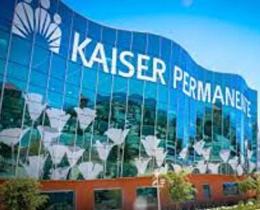 Apple'ın tasarlayıp ürettiği koruyucu kalkanlar ilk olark Kaiser Permanente sağlık personelleri tarafından deneniyor.