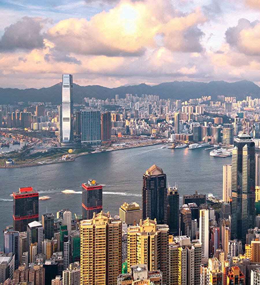 Hong Kong'un Çin'e ilhak edilmesi aşamalardan biriydi.
