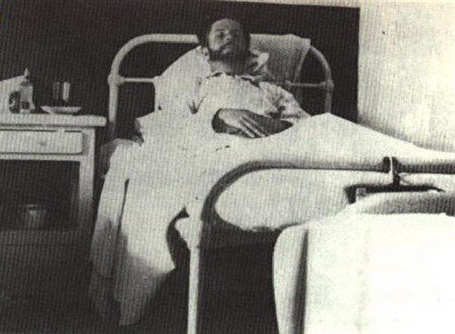 Ağır yaralanan Hüseyni, hasta yatağında.