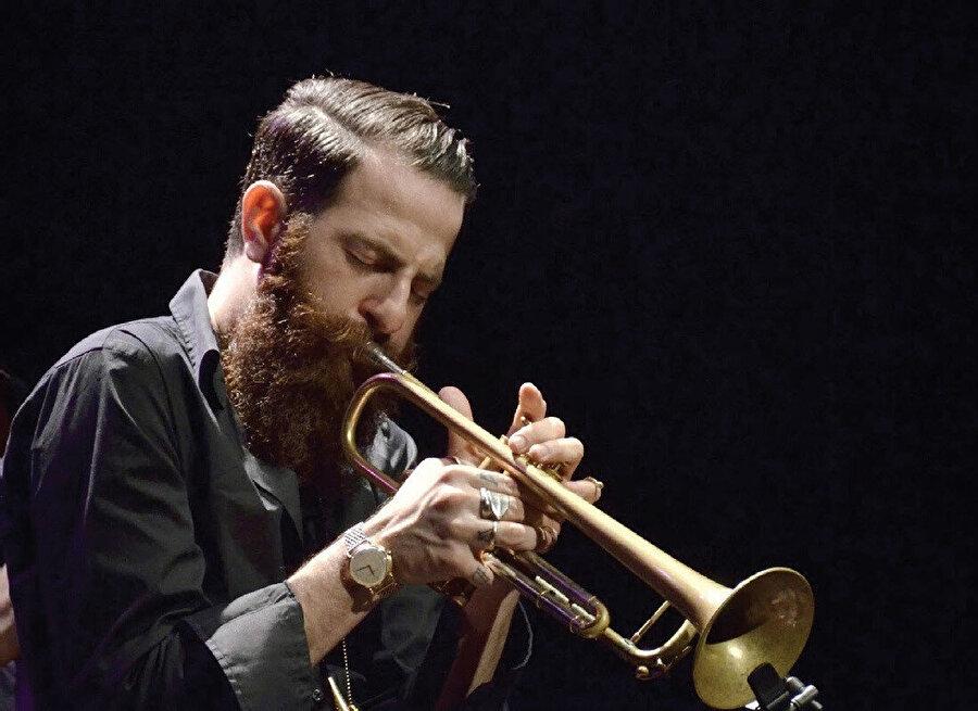 Avishai Cohen, Akbank Caz Festivali kapsamında Cemal Reşit Rey'de sahne alacak.