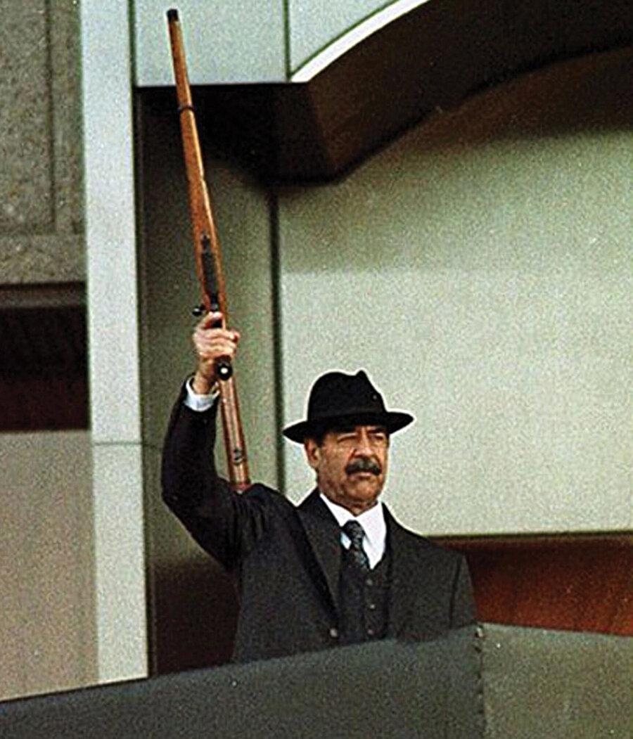 Ülkesini demir yumrukla yöneten Saddam, 2006'da idam edilmişti.
