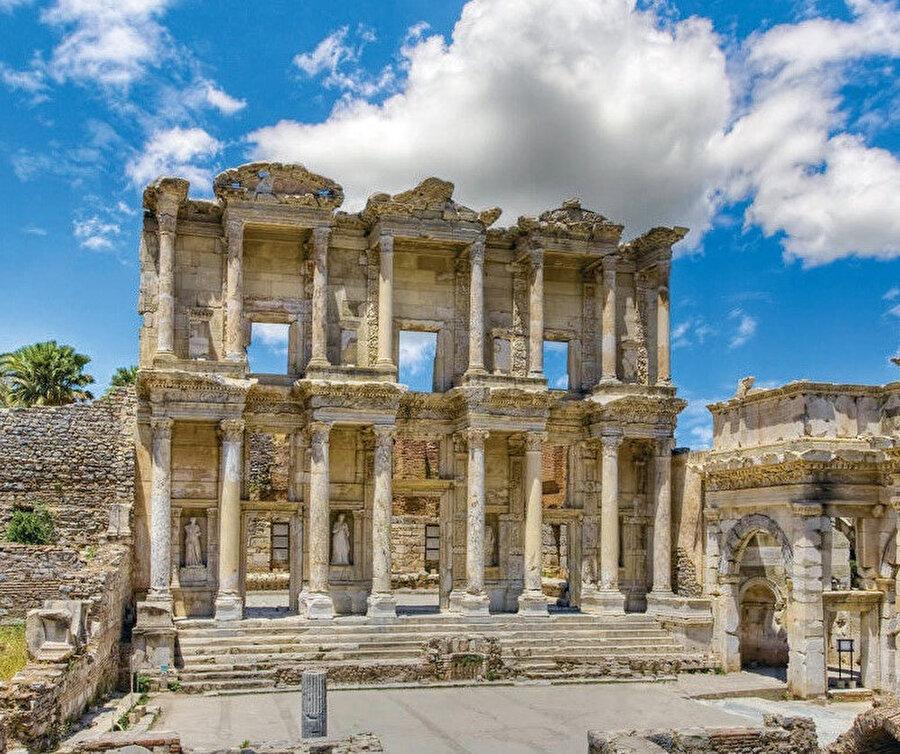 1994'te UNESCO tarafından Dünya Mirası Geçici Listesi'ne dahil edilen Efes, 2015'te ise Dünya Mirası olarak tescil edildi.