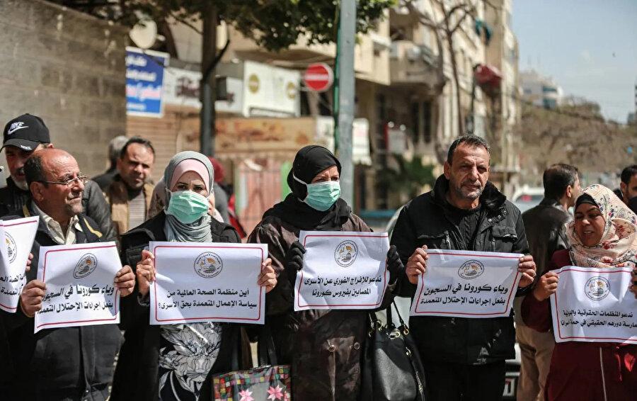 İsrail son dönemde aralarında temizlik malzemesi ve dezenfektanların yer aldığı 140 ürünün cezaevlerindeki satışını durdurması endişeleri artırdı.