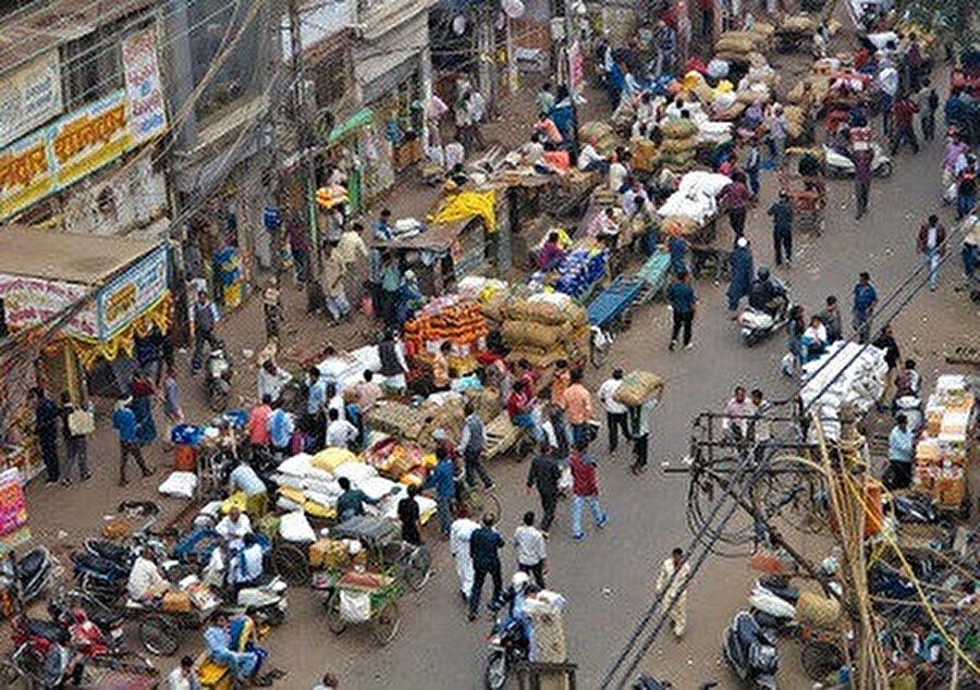 Khari Baoli'nin kalabalık caddeleri. (Mohsin Javed)