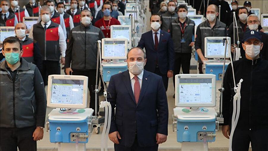 Sanayi ve Teknoloji Bakanı Mustafa Varank- Baykar Teknik Müdürü ve T3 Vakfı Mütevelli Heyeti Başkanı Selçuk Bayraktar