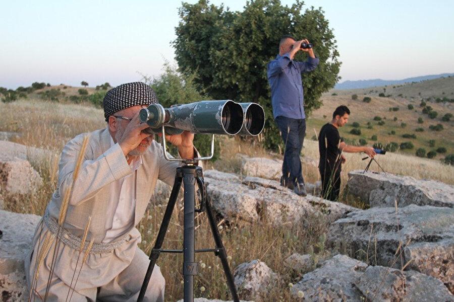 Irak'ta da hilalin gözle görülmesini esas alıyorlar.