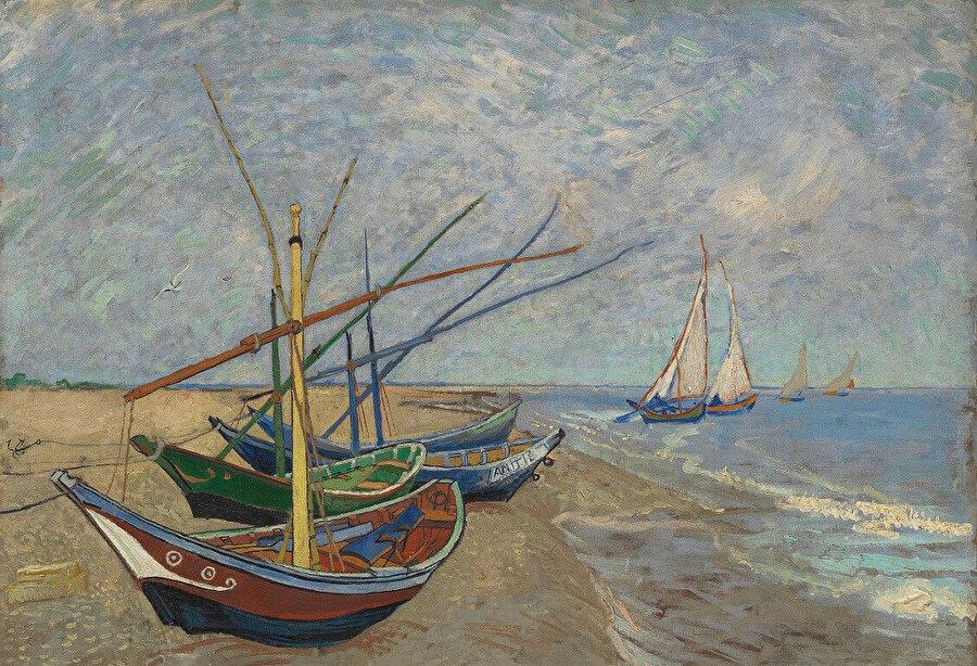 """""""Saintes-Maries Sahilinde Balıkçı Kayıkları"""" adlı resim, Haziran 1888."""
