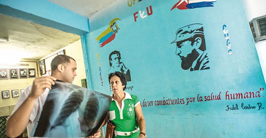 Küba tıp eğitimi ve araştırmaları, bulunan ve bulunacağı müjdelenen aşılarla bir masal diyarı gibi telakki edilmekte.