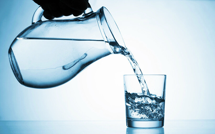 Günde en az iki litre su içilmeli