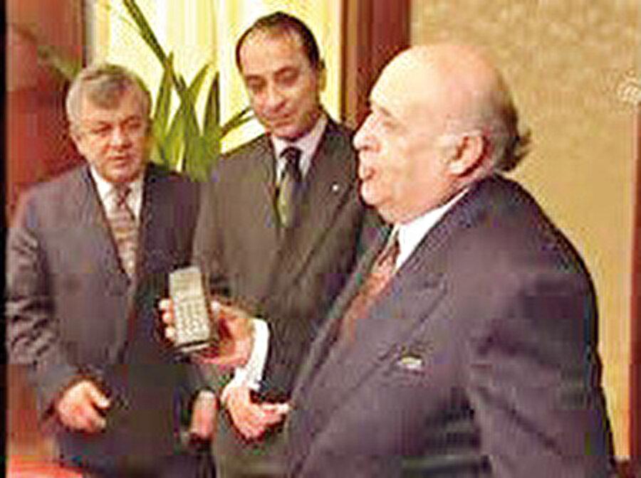 GSM sistemine uyumlu ilk cep telefonu ise, 1992 yılında yine Nokia tarafından yapıldı.
