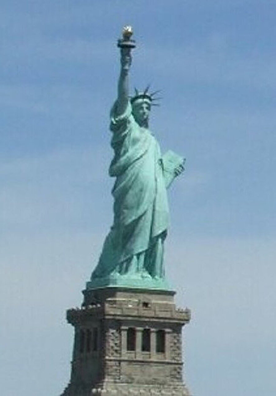 Önce kendimize sıfırdan bir ülke kurup adını Amerika Birleşik Devletleri koyduk.