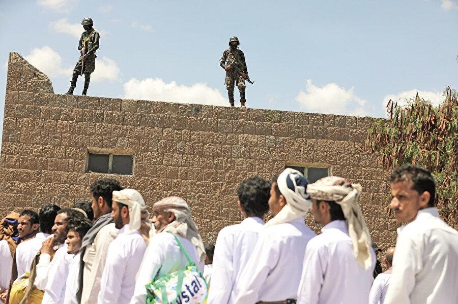 Yemen'in yerel bir unsuru olan Husilerin insan hakları ihlalleri bu güne dek irdelenmedi.