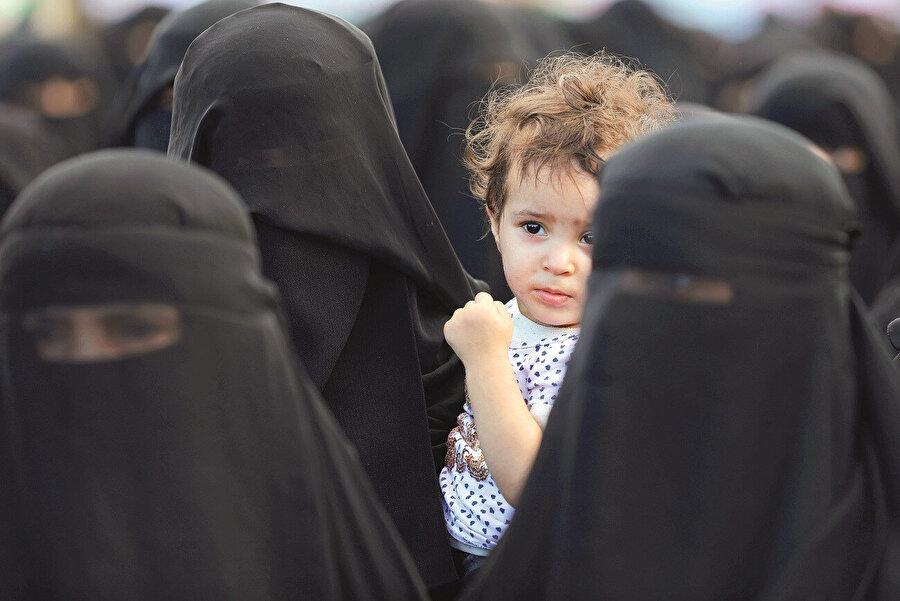 Dul bir anne olan Ebu Dünya, Husilerin zulmüne uğrayan bir kadın olarak ilk değil.