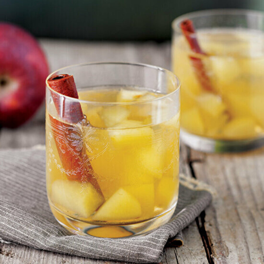 Tarçınlı elma kompostosu