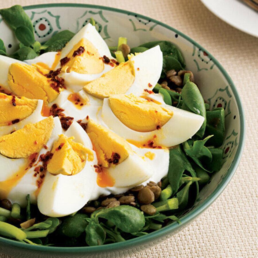 Yumurtalı semizotu salatası