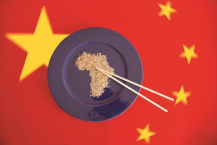 Afrika ülkelerini borçlandıran Çin'in sömürü taktiği şu: Verdiği borcu, her ülkenin stratejik ürününe göre hesaplayarak fazlasıyla geri almak. Sömürü işi bununla bitmiyor. Eğer bir ülke borcunu ödeyemez duruma gelmişse stratejik madenlere ve işletmelere el konuyor.