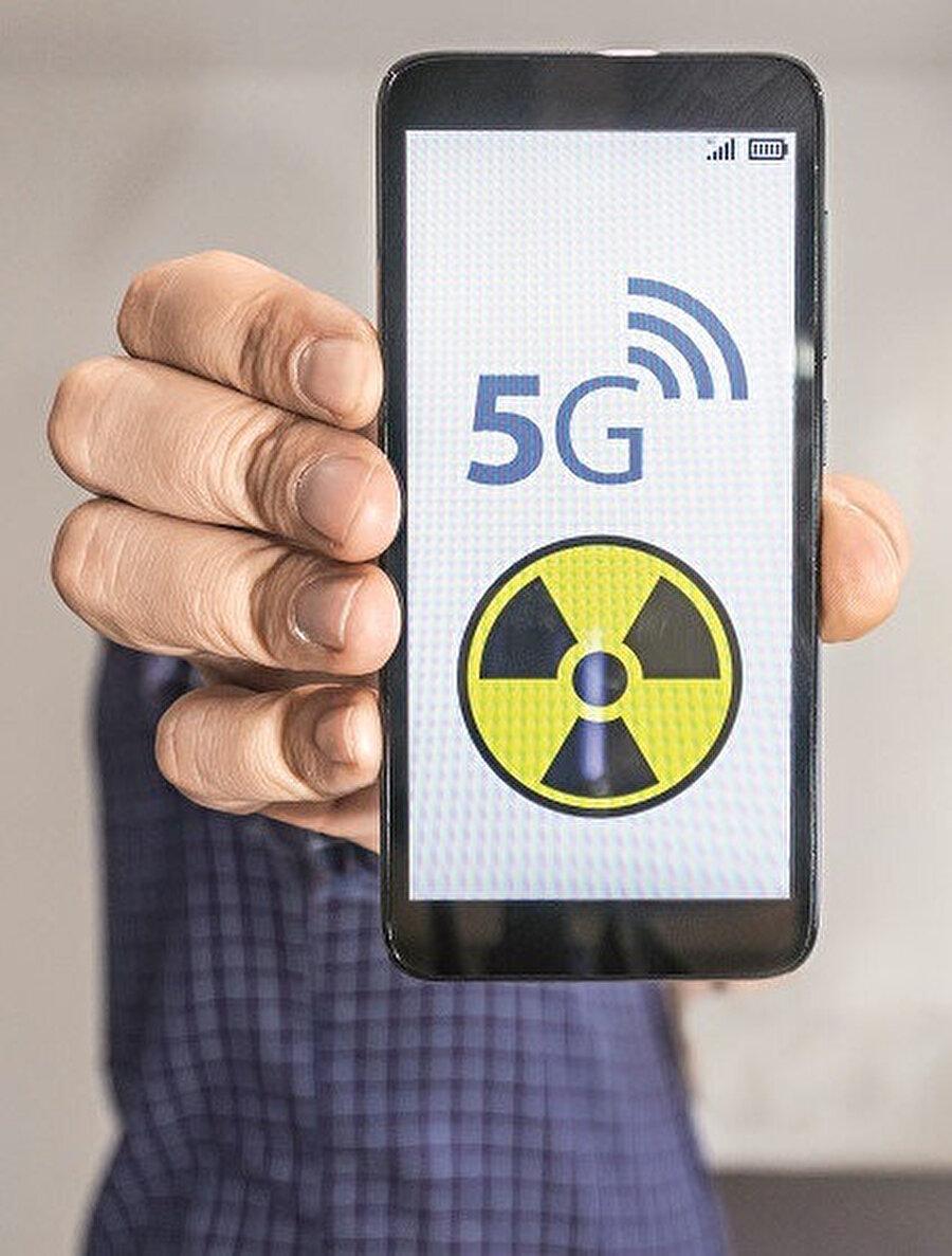 5G kablosuz teknoloji ile koronavirüs salgını arasında bağ kurulması korkularımızı artırıyor.