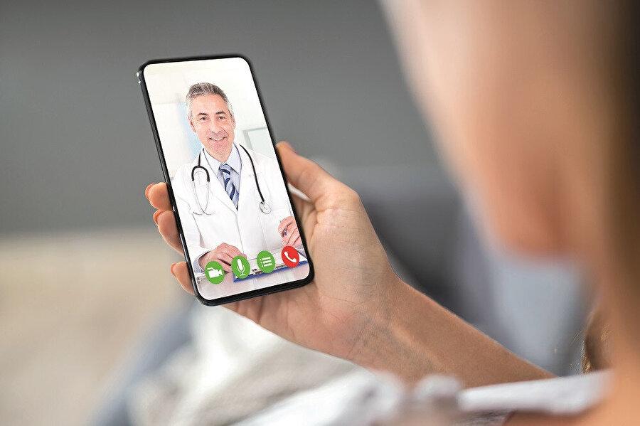 5G teknolojisinin emrine sunulacak suni doku çalışmalarıyla doktor uzaktan önündeki sentetik dokuya dokunurken hastasını, hasta da doktorunu hissedebilecek.