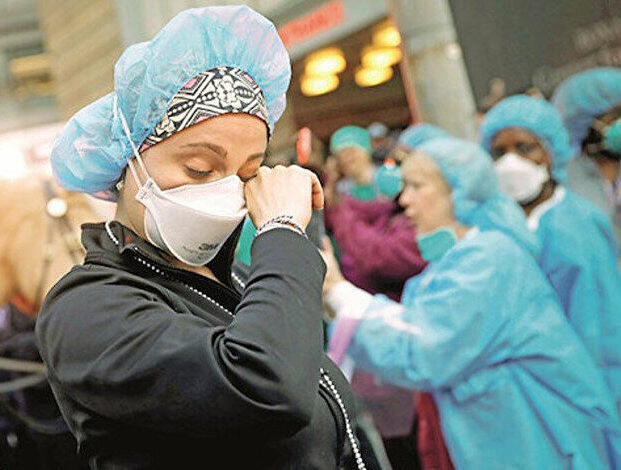 ABD ile Çin arasında, virüsün ABD topraklarında görüldüğü 21 Ocak'tan bu yana ilginç bir savaş devam ediyor.