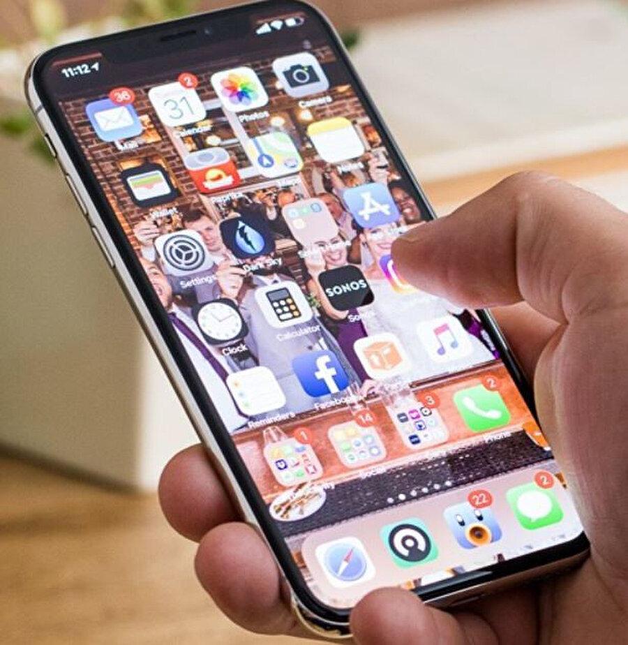 Milyonlarca kişi evlerinden çalışıyor ve doğal olarak cep telefonlarını daha fazla kullanıyor.