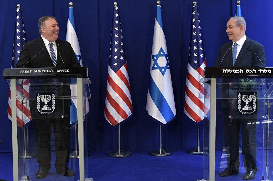 İsrail Başbakanı Binyamin Netanyahu (Sağda) ve ABD Dışişleri Baknanı Mike Pompeo (Solda)