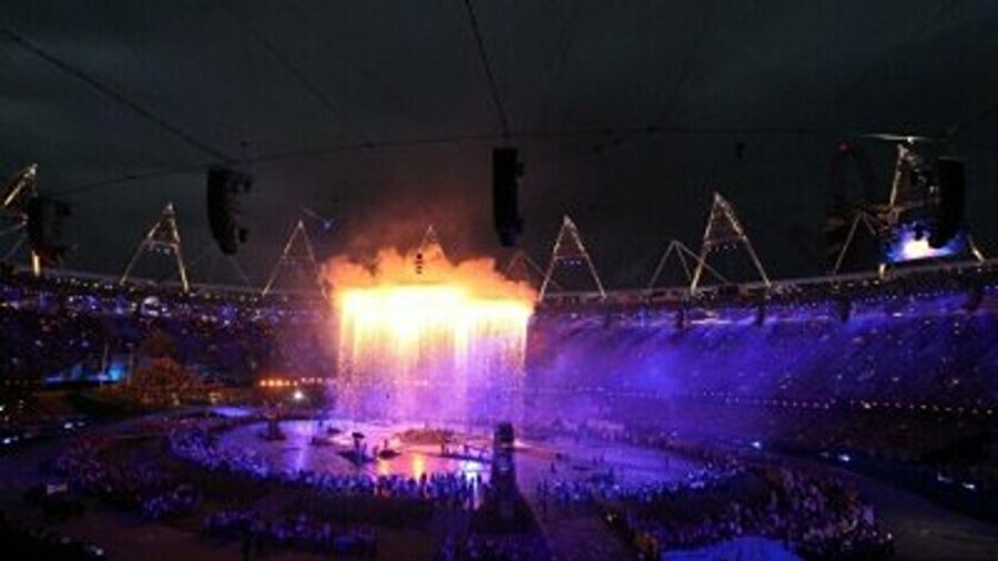 2012 Londra olimpiyatları açılış töreninde İngiliz Sağlık Sisteminin (NHS) tarihini anlatan bir koreografi yapılır.