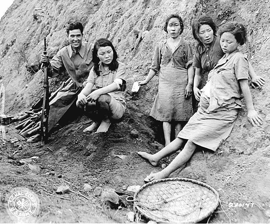 Askerinin moralini yüksek tutmak için kadın köle kaynağı. İanfu denir onlara.