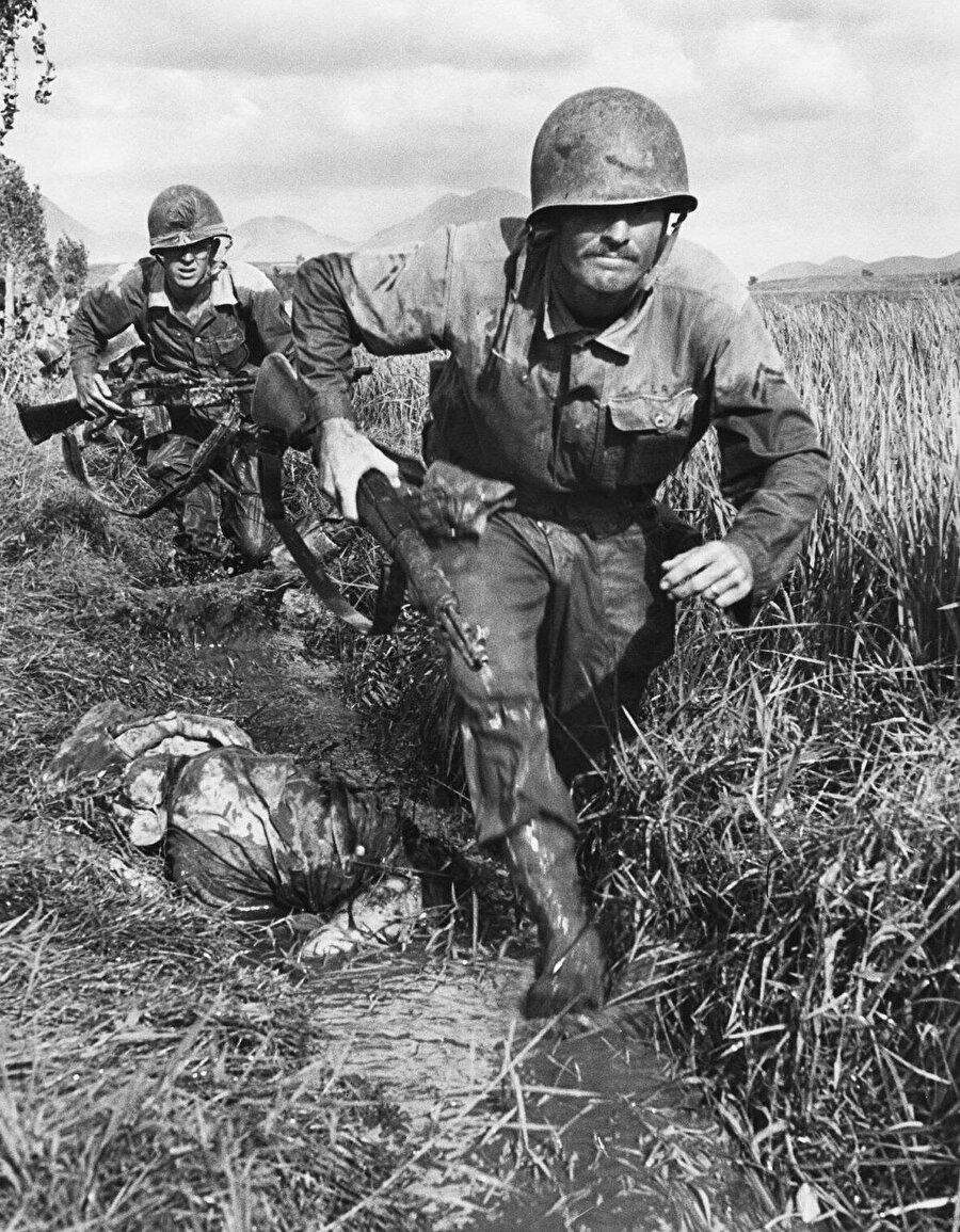 """Harekât planı Sovyet subaylarınca ve """"Rusya doğumlu"""" Korelilerce iki dilde hazırlanır."""