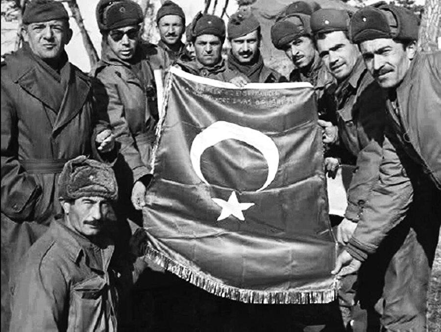 NATO'ya girebilmek için 900 Mehmetçik kendini feda eder.